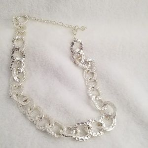 Jewelry - Hammered chain Collar Necklace  Silver tone Chunky